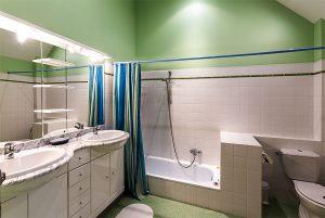 Bathroom of Green Room